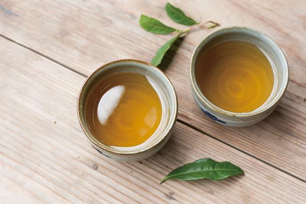 金色に輝く阿波晩茶